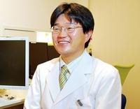 眼科専門医(日本眼科学会認定)の川﨑史朗院長